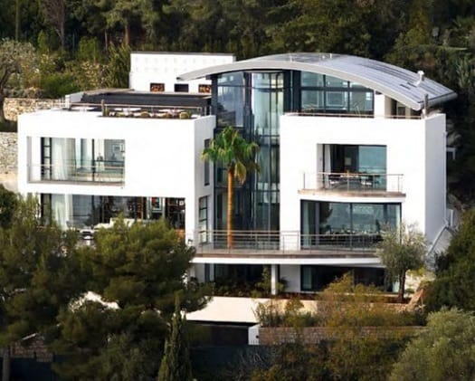 featured posts image for Spectacular beachfront villa in France