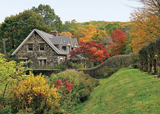 featured posts image for Beautiful fall garden along the Hudson River Valley