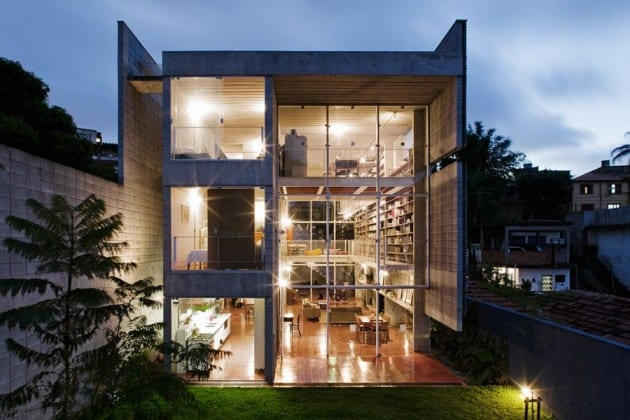 featured posts image for Brazilian home with an incredible library design