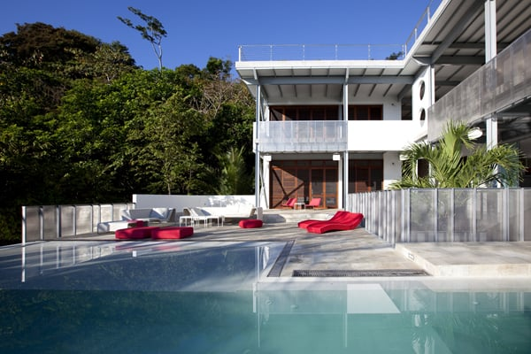 featured posts image for Modern refuge in the Costa Rican jungle