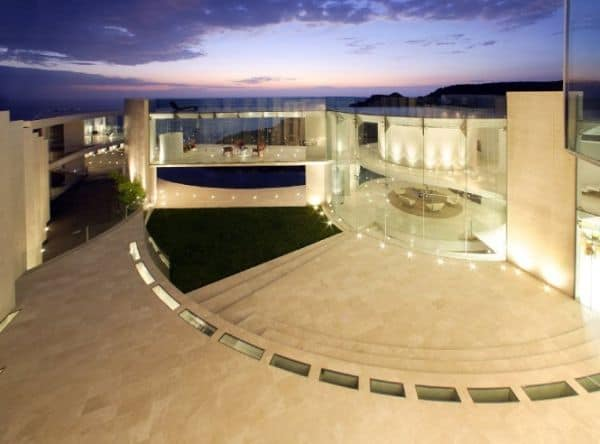 featured posts image for Incredible home with an insane sea view