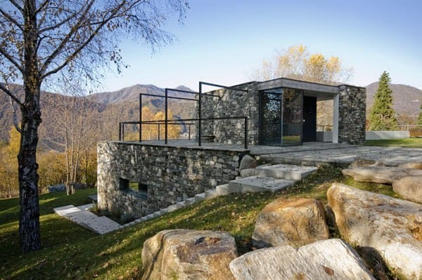 featured posts image for Stone villa hidden in the terrain of Pettenasco