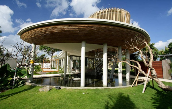 featured posts image for Tropical bamboo pavilion house