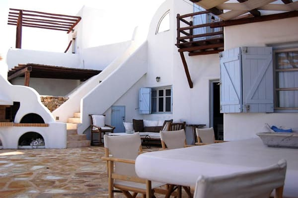 featured posts image for Living in paradise on the island of Mykonos