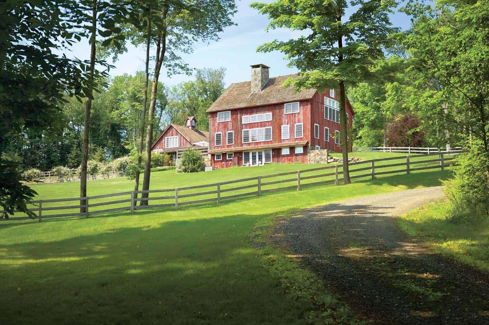 modern-rustic-barn-exterior