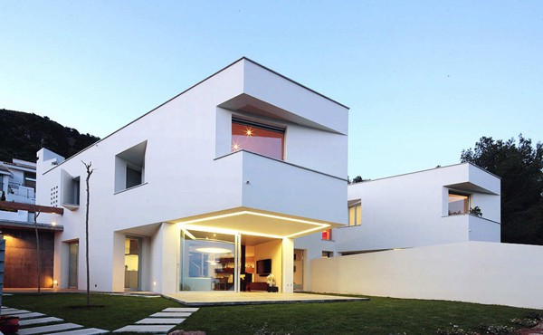 featured posts image for Spanish residence with incredible views
