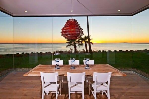Striking Beach House On The Malibu Bluffs