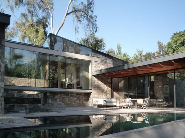 featured posts image for Impressive house surrounded by forest in Chile