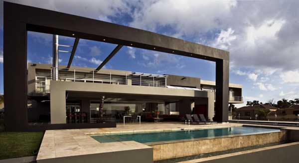 featured posts image for Opulent hotel-like home in Johannesburg