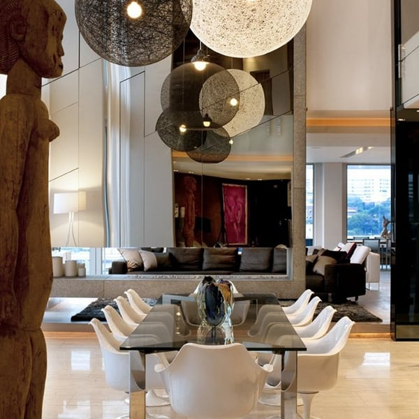 23 Amazing Ways To Style Your Console Table With Fall Decor: Ultra Luxurious Penthouse In Johannesburg