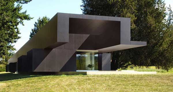 featured posts image for Linear House on Salt Spring Island