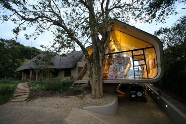 featured posts image for A modern thatch cottage in South Africa