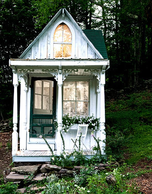 featured posts image for Shabby-chic gingerbread house