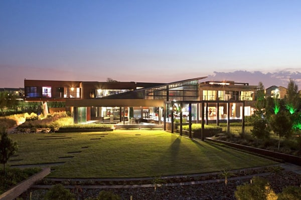 featured posts image for Steel and glass residence in South Africa