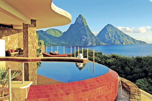 featured posts image for Extravagant island retreat with breathtaking views