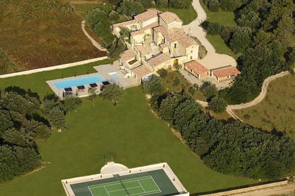 featured posts image for Amazing estate in Provence with cozy interiors