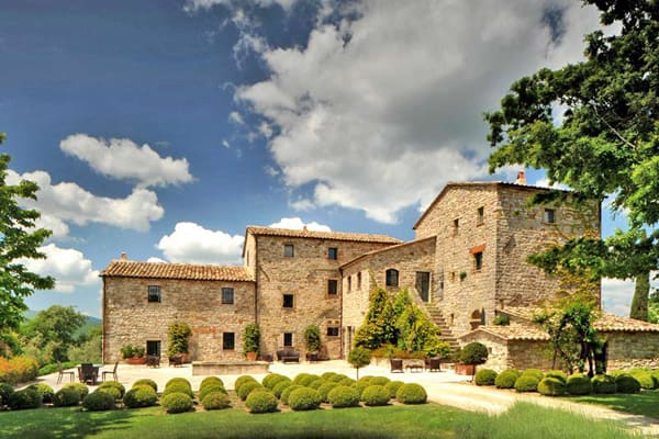 featured posts image for Converted farmhouse into a luxury villa in Tuscany