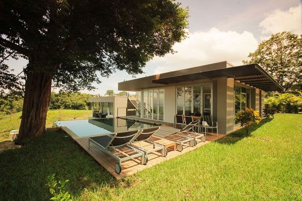 featured posts image for Eco-luxury villa immersed in the jungle