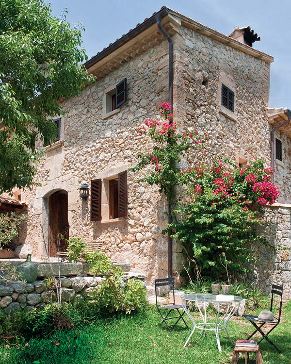 featured posts image for A beautiful villa on the Mediterranean Sea