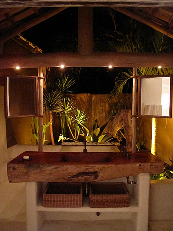 Exotic retreat surrounded by the brazilian jungle for Exotic retreat furniture