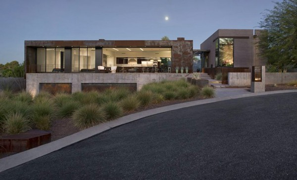 featured posts image for Stunning desert home with captivating mountain views