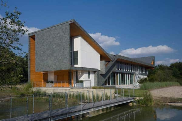 featured posts image for Beautiful sustainable home within an urban reserve