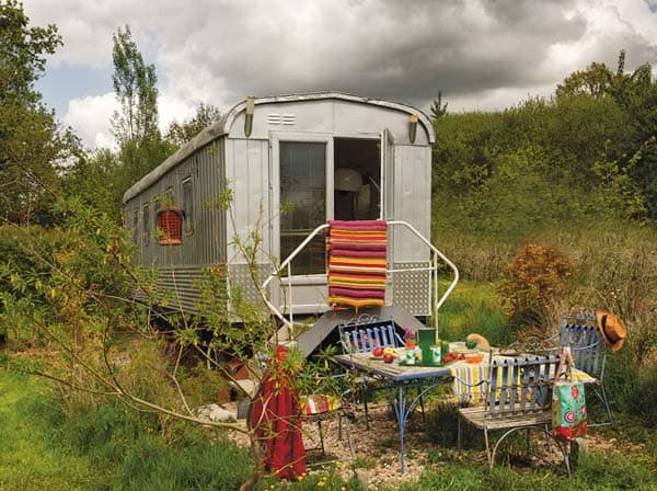 featured posts image for Unique Bohemian trailer home in France