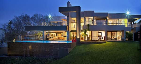 featured posts image for Dramatic contemporary residence in Johannesburg