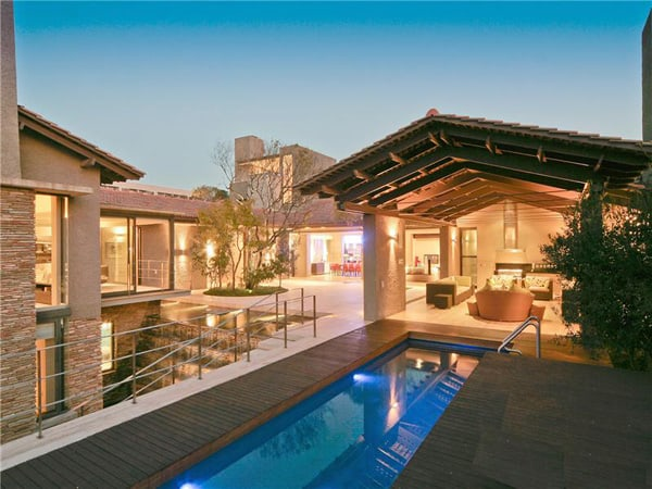 featured posts image for Ultra luxurious contemporary residence in Johannesburg