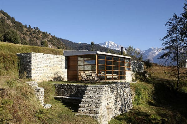 featured posts image for Retreat to the Indian Himalayas