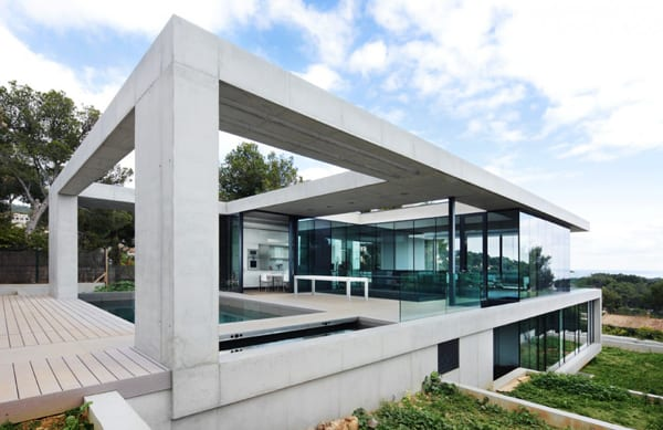 featured posts image for Stunning concrete and glass home in Mallorca