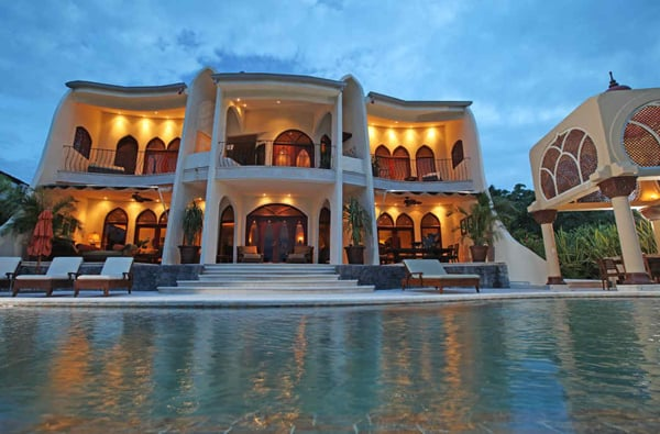 featured posts image for Breathtaking Moroccan-influenced ocean view home