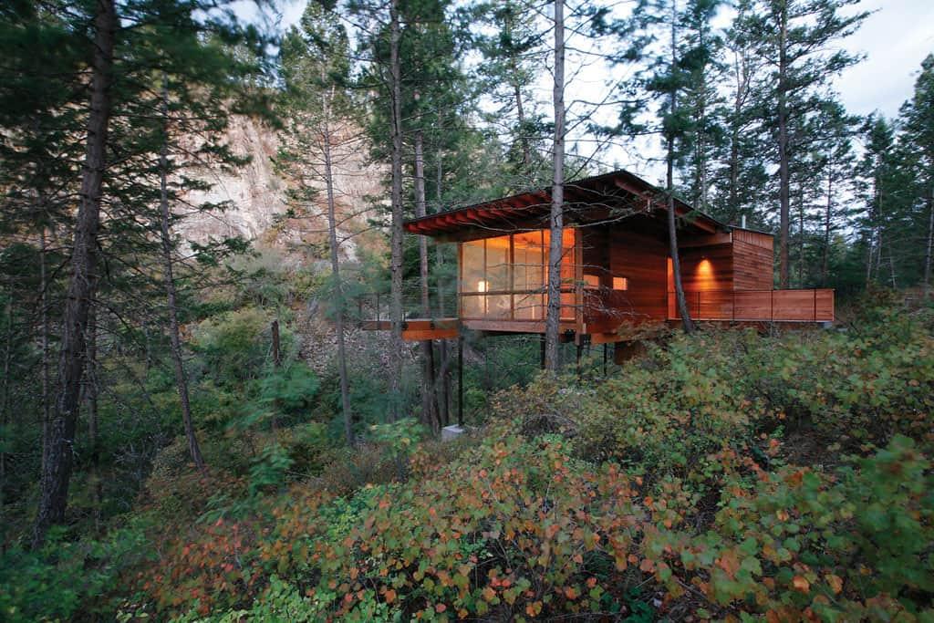 cozy-cabin-retreat-exterior