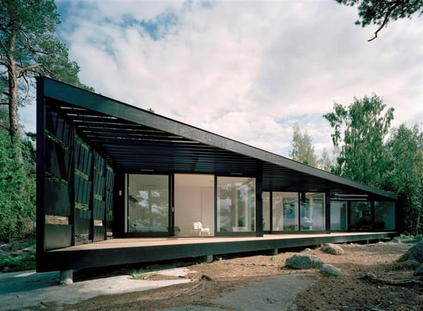 featured posts image for Wood and glass shelter on the Stockholm archipelago