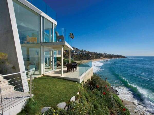 featured posts image for Contemporary oceanfront house on Laguna Beach