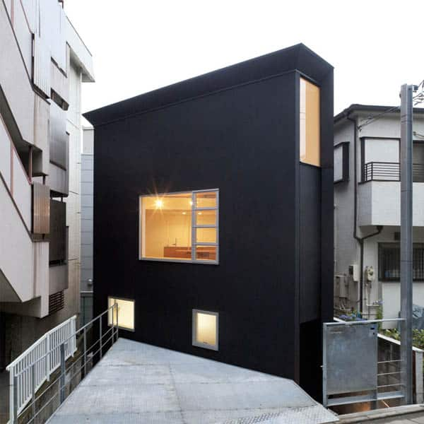 featured posts image for Narrow Japanese home with voluminous interiors