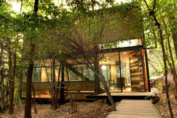 featured posts image for A modest structure integrated into its surroundings