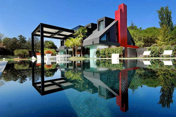 featured posts image for Ultra-fabulous Madrid villa with a chic ambiance