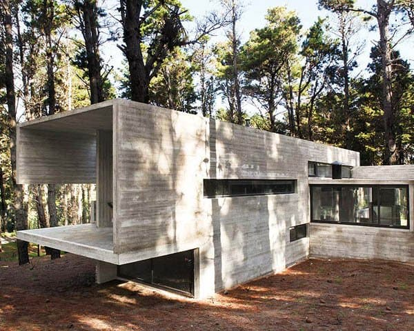 featured posts image for Concrete and glass shelter in Mar Azul forest