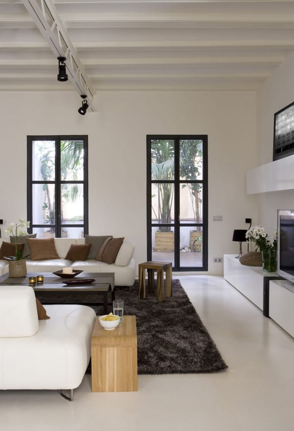 Gothic Quarter Apartment-18-1 Kind Design
