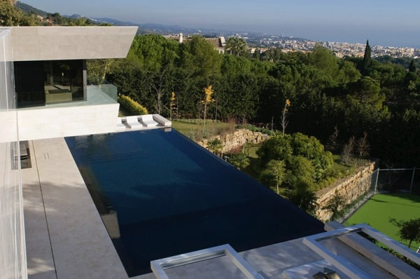 featured posts image for Luxury modern property on the Mediterranean Sea