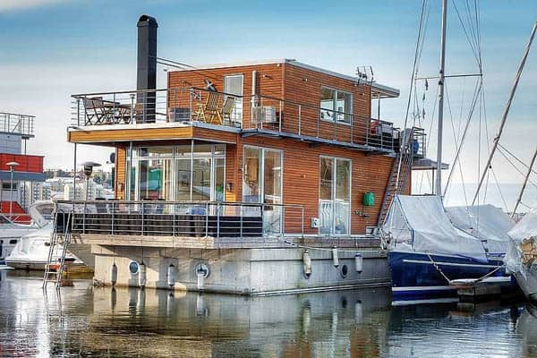 featured posts image for Luxurious floating Aqua Villa on Pampas Marina