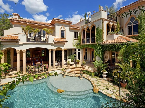 featured posts image for Mediterranean villa with a Moorish flair