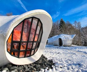 featured posts image for Museumotel: modernized space pod for hip travelers