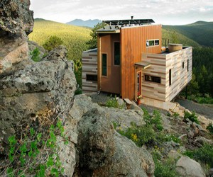 featured posts image for Shipping Container House deep in the mountains