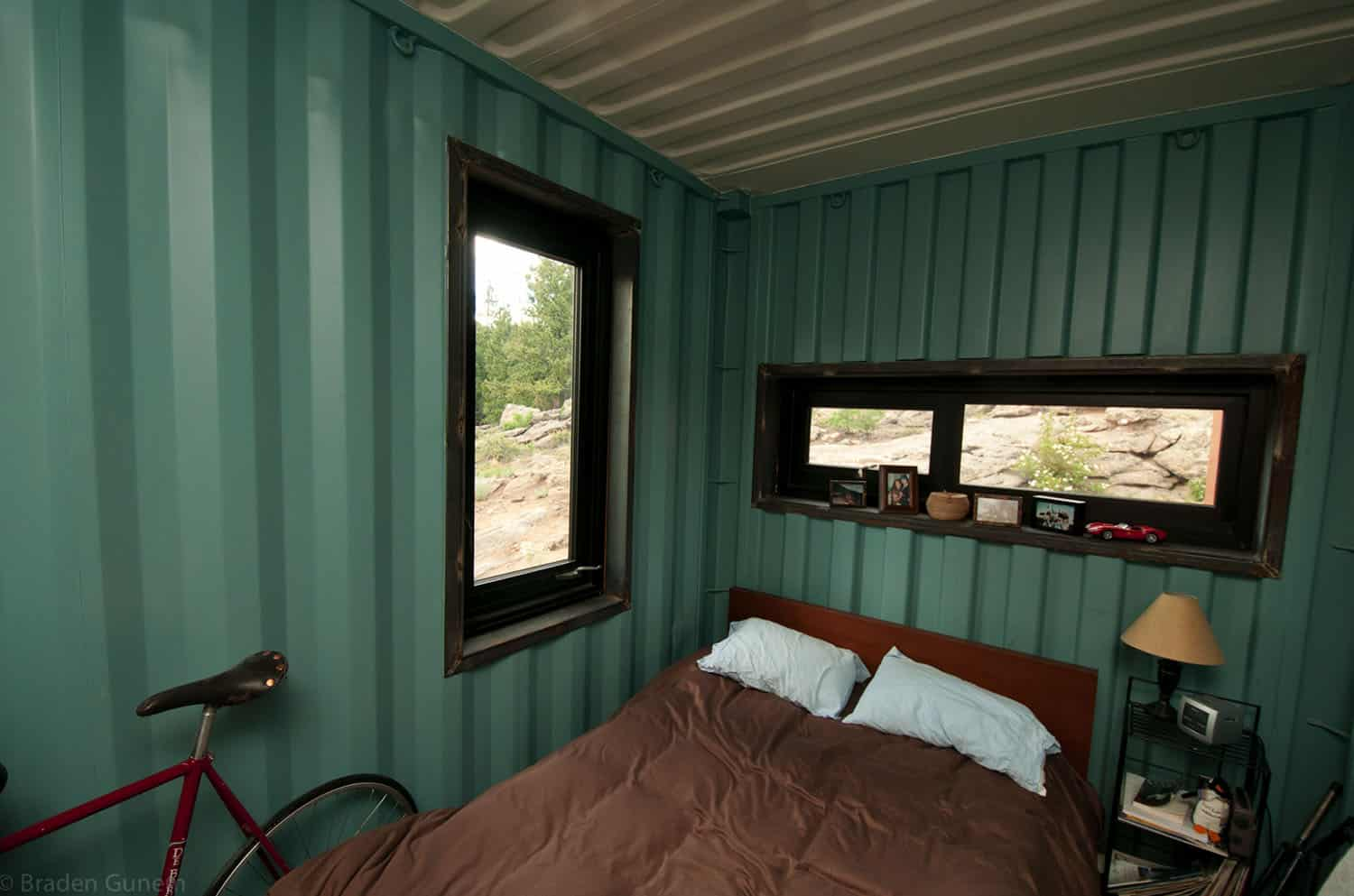 shipping-container-house-bedroom