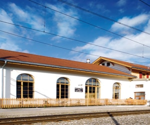 featured posts image for Train station transformed into an impressive home