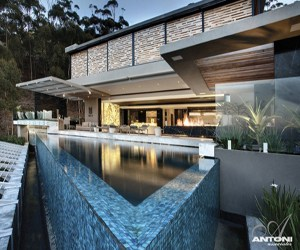 featured posts image for Spectacular modern cliffside luxury in Cape Town