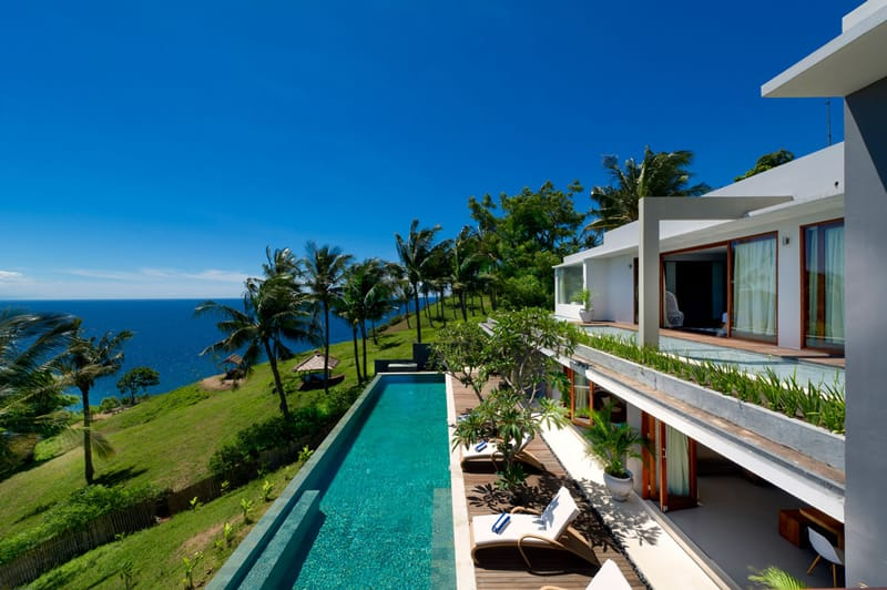 featured posts image for Stylish cliff villa hovering over the Indian Ocean