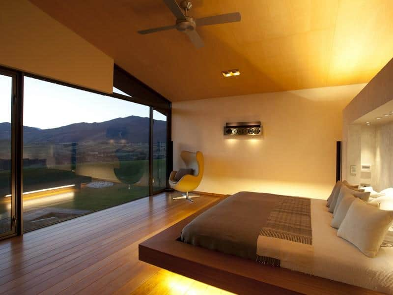 Swan Modern Platform Bed: Secluded New Zealand Dwelling With Majestic Views